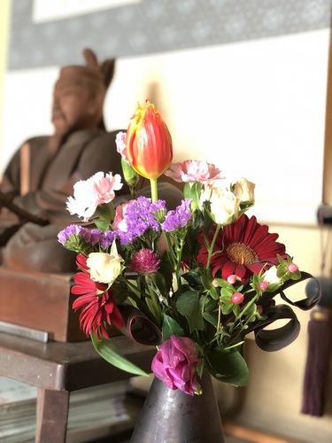 今日で東日本大震災が発生してから7年が経ちます。14時46分にはそれぞれの場所において黙祷いたしましょう。