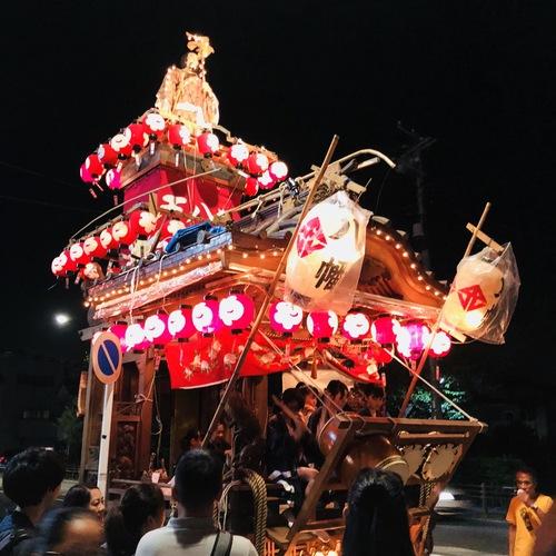 7月21日 八幡神社例大祭の宵宮へ。氏子会としてお祝いに駆けつけ、囃子方が奉納演奏させて頂きました。